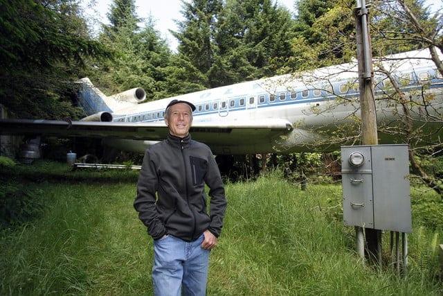 plane 111