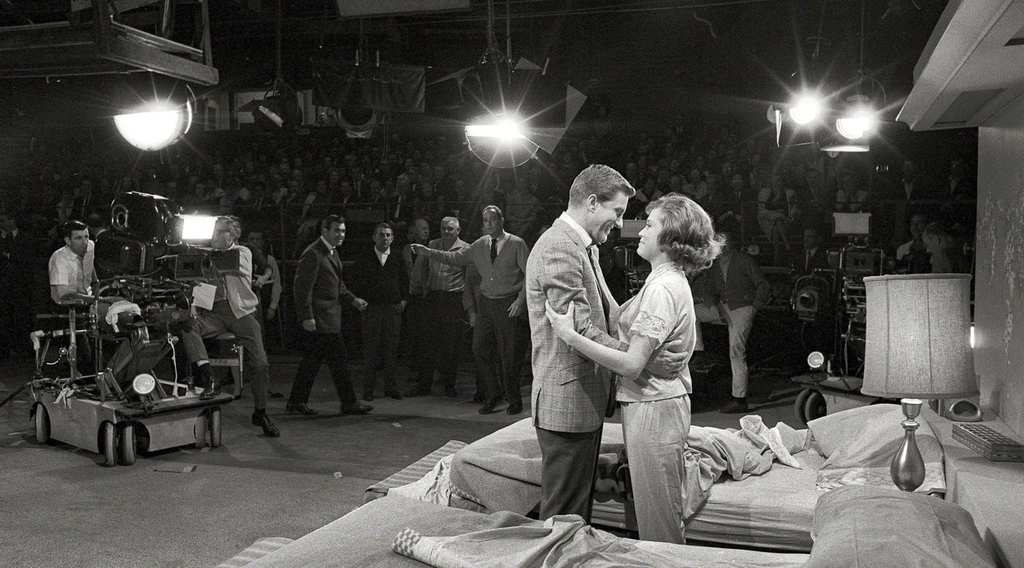 Surprising Facts From Behind The Scenes Of The Dick Van Dyke Show