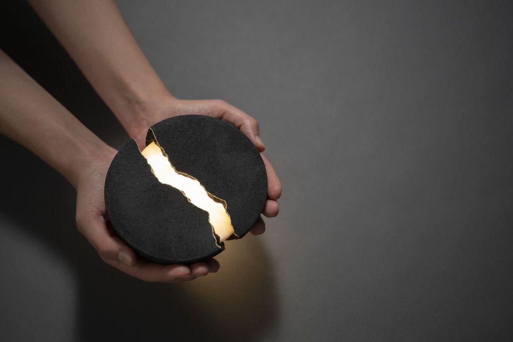 Lumio's light-filled speaker